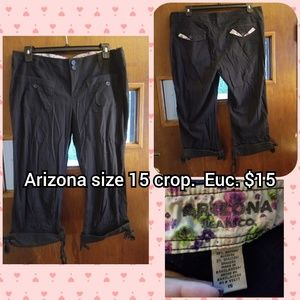Arizona size 15 cargo capris